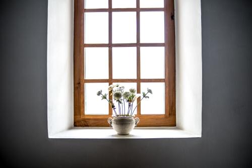 okno drewniane plusy i minusy